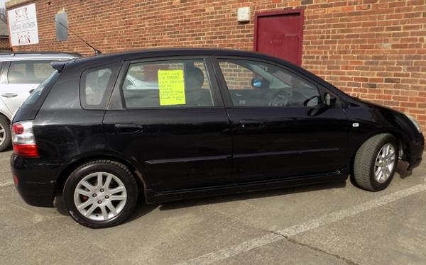 2004 Honda civic, 1.7 diesel, MOT Feb. 2019. Two keys, electric windows & central locking