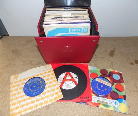 Box of good quality 1960's records inc demo's & samples