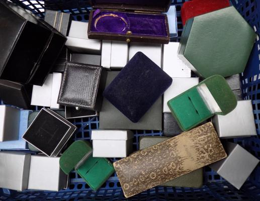 Selection of jewellery boxes/ring boxes