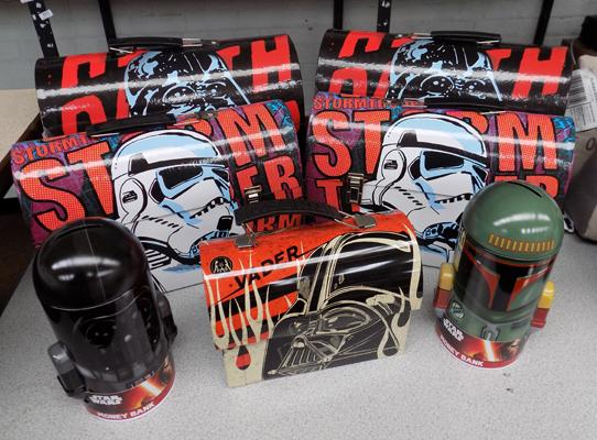 5 Star Wars boxes and 2 money tins