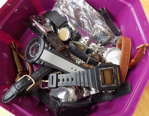 Tub of watches & watch parts