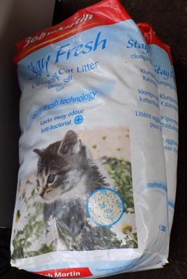 Two large bags of Bob Martin cat litter