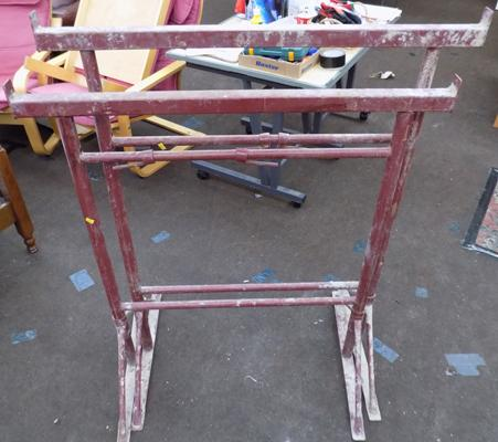 Pair of metal adjustable trestles