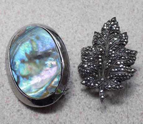 Silver leaf brooch and 1 other