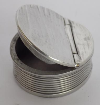 Vintage Circa. 1930's Pewter snuff box, D.G works Sheffield - with hinged lid