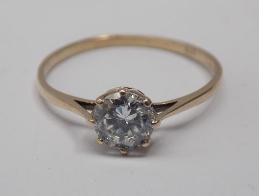 9ct gold white stone solitaire ring - size O 1/2