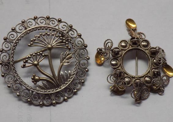 2 silver brooches
