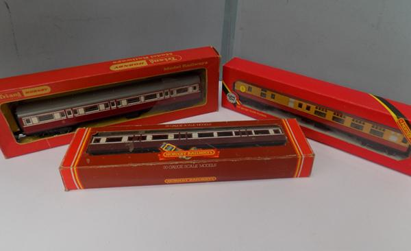 Three Triang Hornby boxed carriages