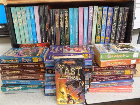 Complete collection of Dragonlance P/B, Advanced Dungeons & dragons, 2 boxes