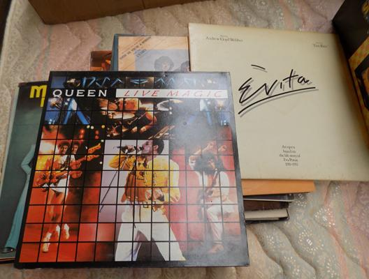 Selection of records, incl. Queen