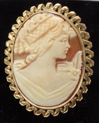 9ct gold Cameo brooch/pendant