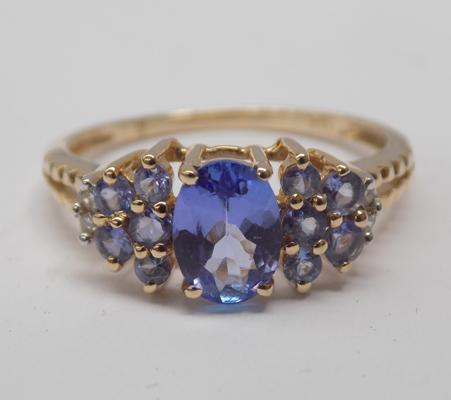 14ct gold Tanzanite cluster ring - Size L 1/2