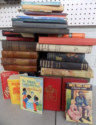 Selection of annuals & other vintage books
