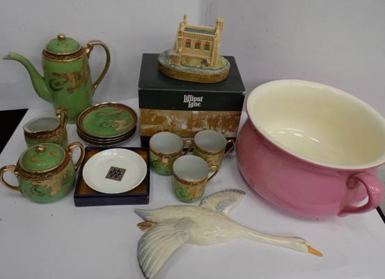 Small selection of porcelain & ceramics incl. boxed Lilliput Lane & Staffordshire