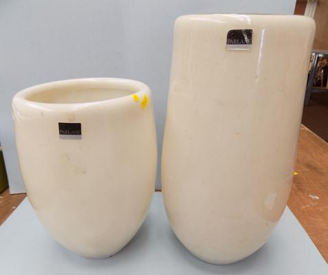 2 Parlane large planters