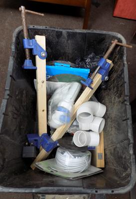 Box of miscellaneous, incl. clamps etc...