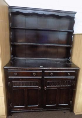 Dresser with 2 drawers & 2 doors