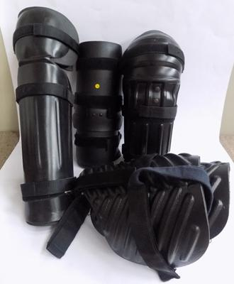 Full set of ex-police riot protection items (legs & arms)