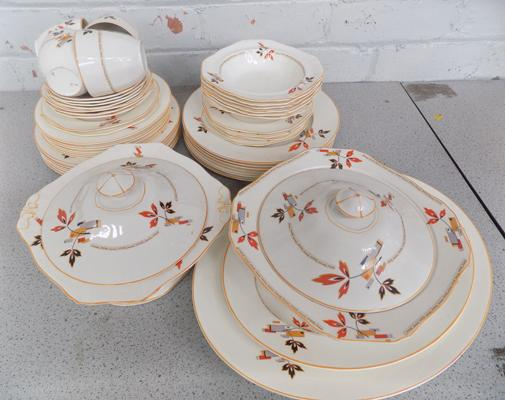 Alfred Meakin dinner service with turine