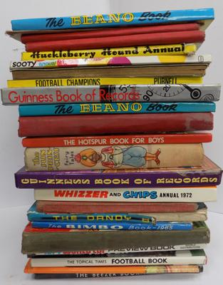 Large selection of vintage annuals incl. Dandy, Beano, Whizzer & Chips