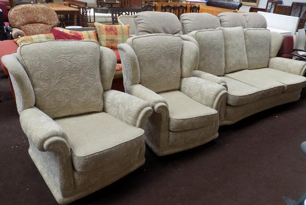3 seater fabric sofa and 2 matching chairs (as new RRP £1299)