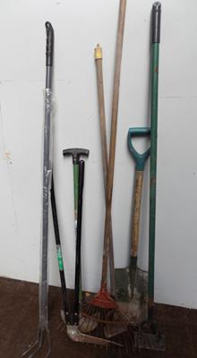 Selection of garden tools - 7 items