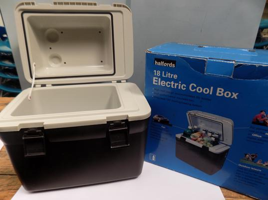 Halfords 18 litre electric cool box