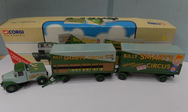 Corgi Classics - Billy Smart's Circus, Scammell Highwayman & 2 trailers
