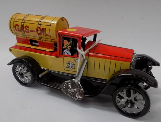 "Vintage tinplate clockwork 1930's style gas truck, 6 1/2"" long with key"