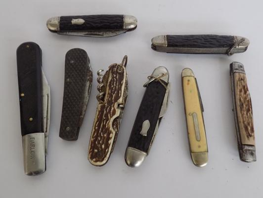 Selection of pen knives etc.