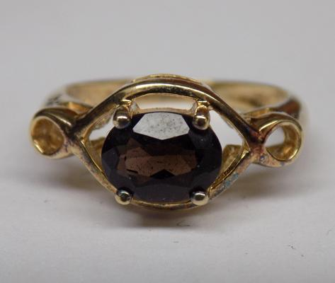 Gold on sterling 925 silver cocktail ring with smokey quartz gemstone, approx. size M 1/2