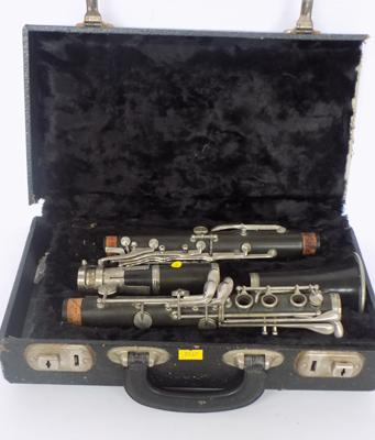 Vintage clarinet in case -  needs attention
