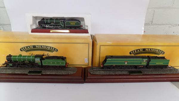 3x model trains, Blackmoor Vale, Liver Norwich city and Southern Schools class