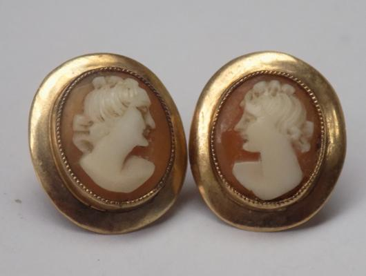 9ct Gold Cameo earrings