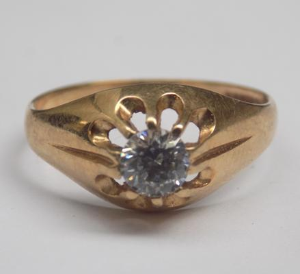 9ct gold white stone solitaire gypsy style ring - R1/2
