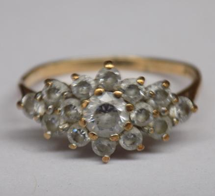 9ct gold clear stone cluster ring