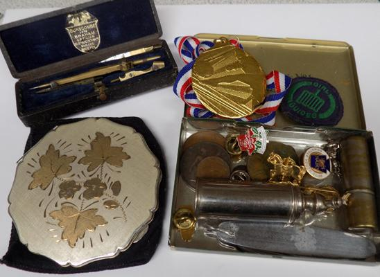 Small selection of collectables, incl. vintage items