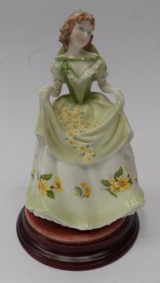 Royal Worcester sweet Primrose limited edition figure v good condition