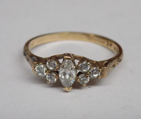 9ct gold clear stone ring, approx. size 0 1/2