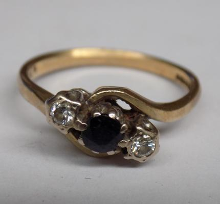 Vintage 9ct gold sapphire & clear stone ring