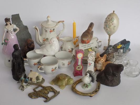 Selection of mixed ceramics & collectables