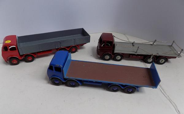 1950's Dinky supertoys flatbed lorries, Foden- Leyland Octopus-Foden with sides