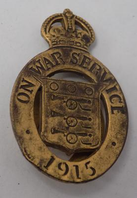 WWI era 1915 on war service badge