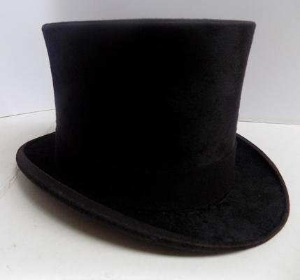 Vintage Lincoln Bennett & Co of London top hat in specialist case-moleskin