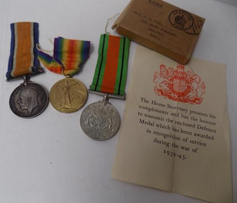 WWI & WWII era British military issue medal groups to Pte S G Read