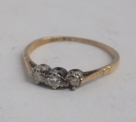 Petite 18ct gold & diamond trilogy ring