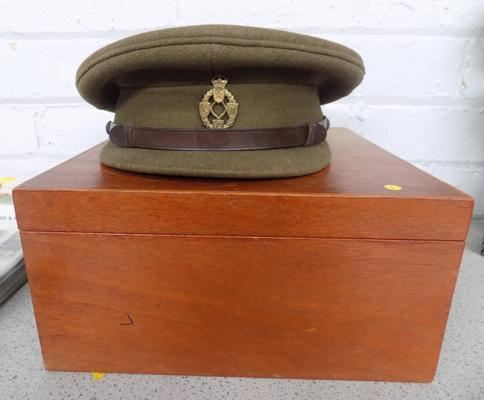 WW1 cap and box