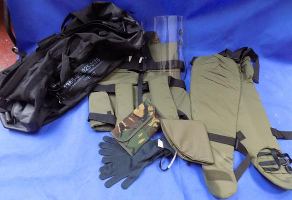 Ex military collectors suit-army bomb disposal kit