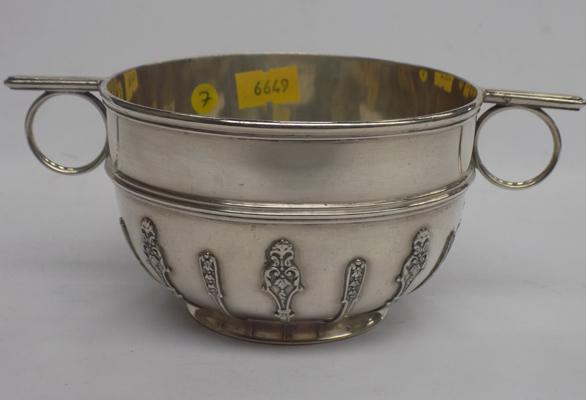 Antique 925 solid sterling silver Edwardian Porringer bowl London 1902 231gms