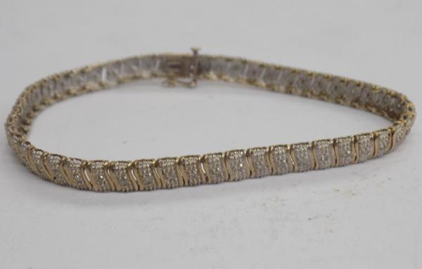 Ladies 9ct gold 0.25ct diamond tennis bracelet 7.01gms